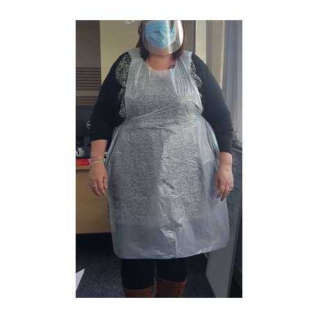 100 Disposable Aprons